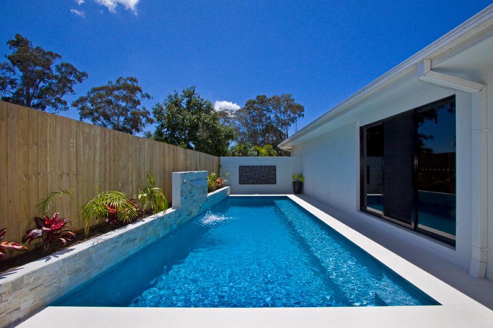Waihau Deep Blue Pebble Pool