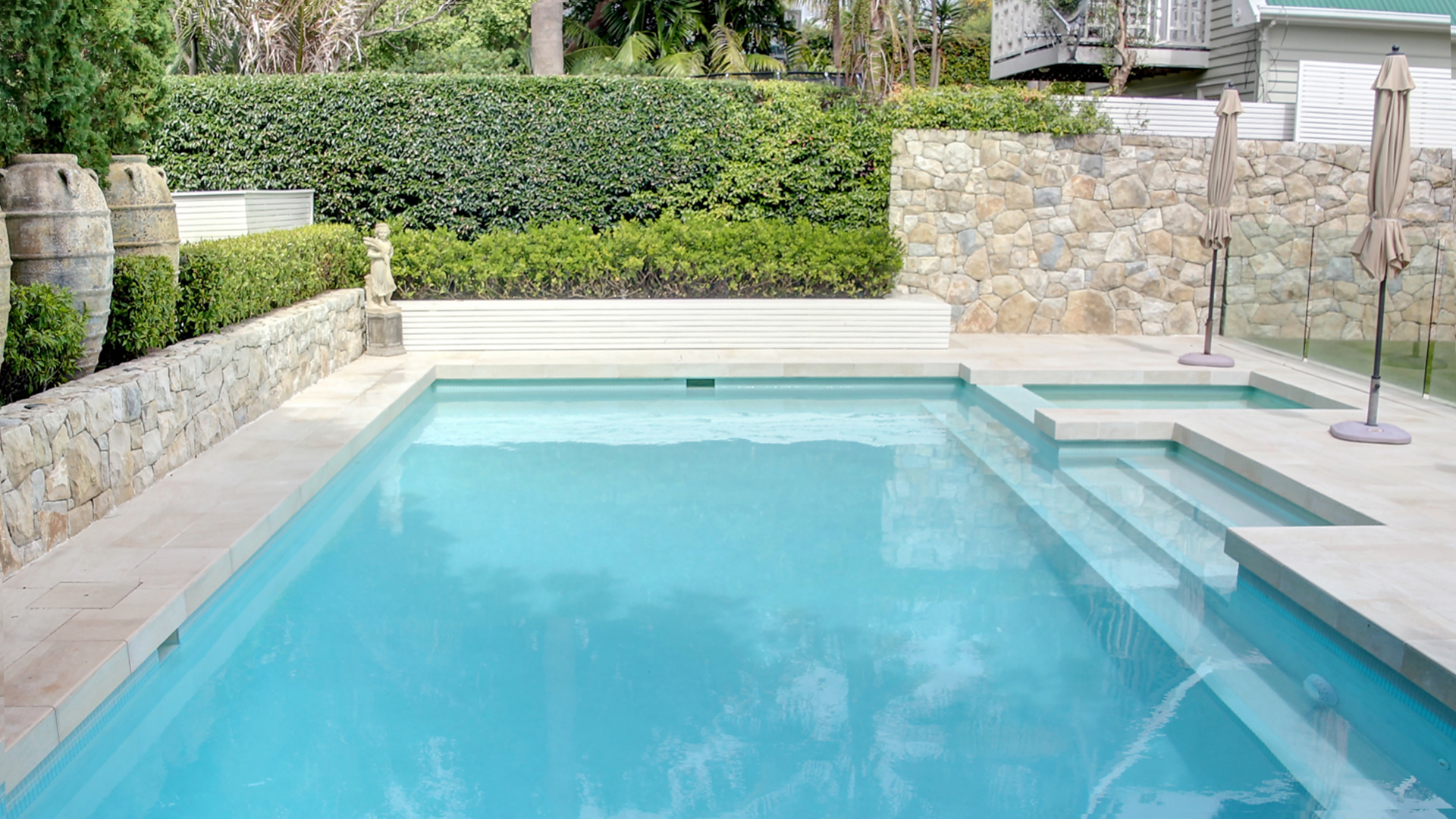 Pool Images & Designs